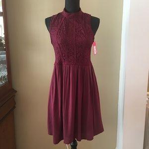 Xhilaration Sleeveless Dress Lace Berry Women's M